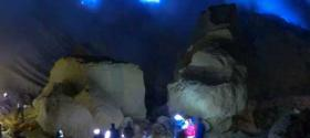 Visit Ijen crater lake at night with a guide